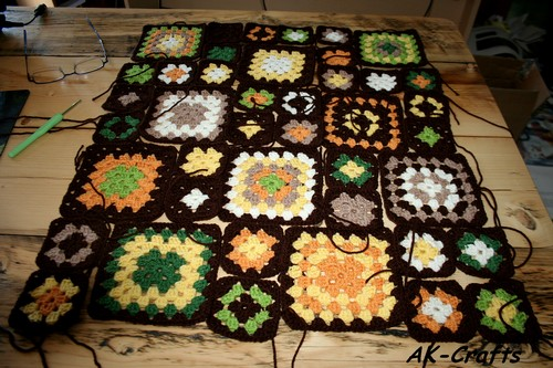 "A Baby Blanket Named ""Fall Impressions"" with Classic Granny Squares – Part 1"