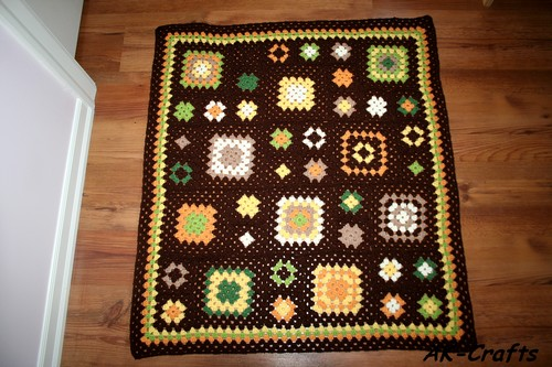 "A Baby Blanket Named ""Fall Impressions"" with Classic Granny Squares – Part 2"