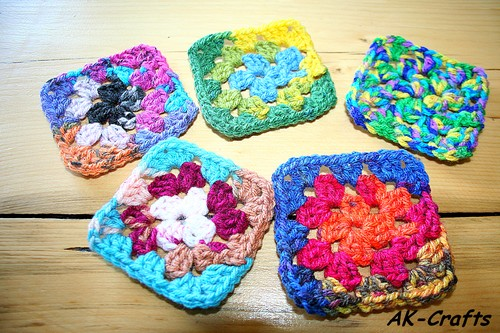 How to crochet a basic granny square