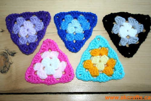 How to crochet a Triangle Granny with 4 DC cluster